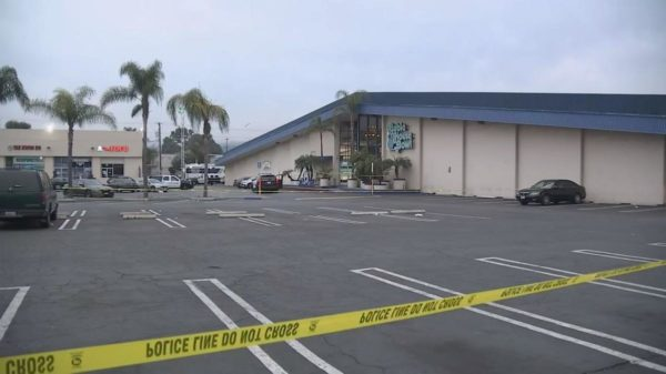 3 Dead, 4 Injured in Calif. Bowling Alley Shooting