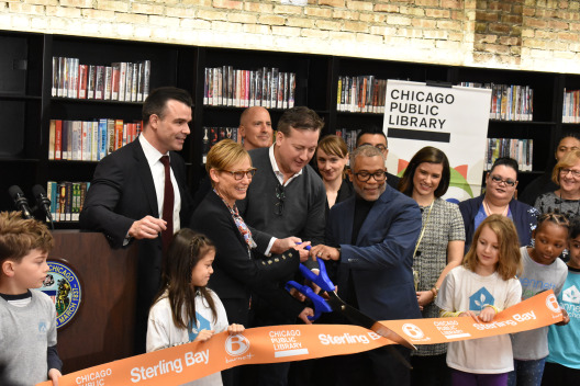 Ribbon-cutting at West Loop library branch