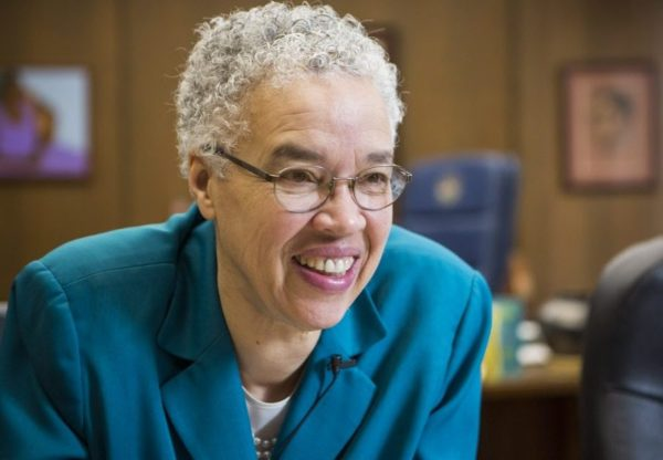 Toni Preckwinkle outlines plan to raise Chicago's minimum wage to $15 an hour by 2021