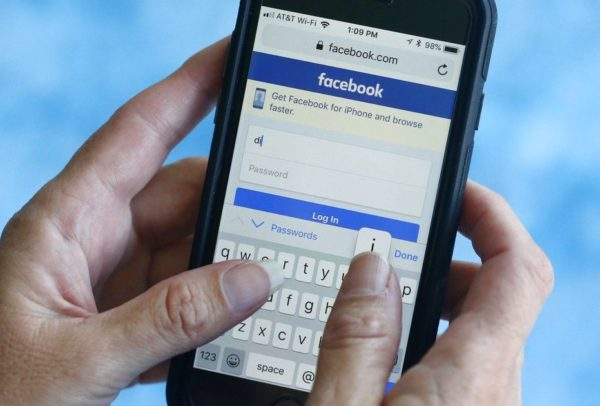 Facebook, Instagram outage reported around the world