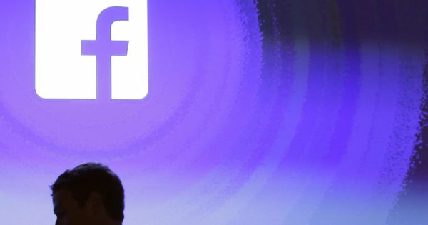 Facebook targets 'revenge porn' with new AI program