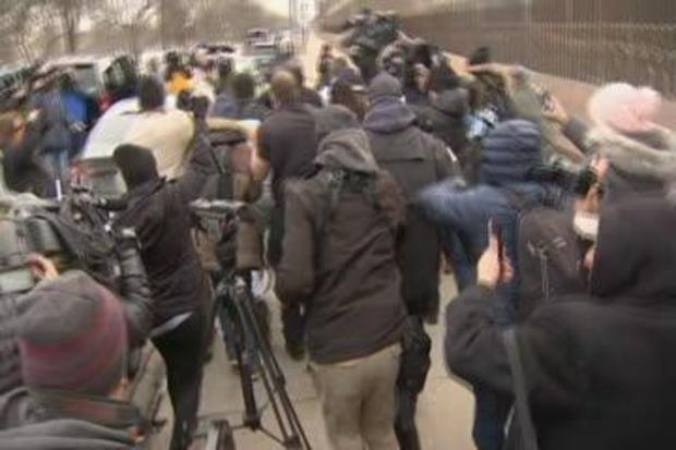 [CHI] WATCH: Jussie Smollett Leaves Cook County Jail