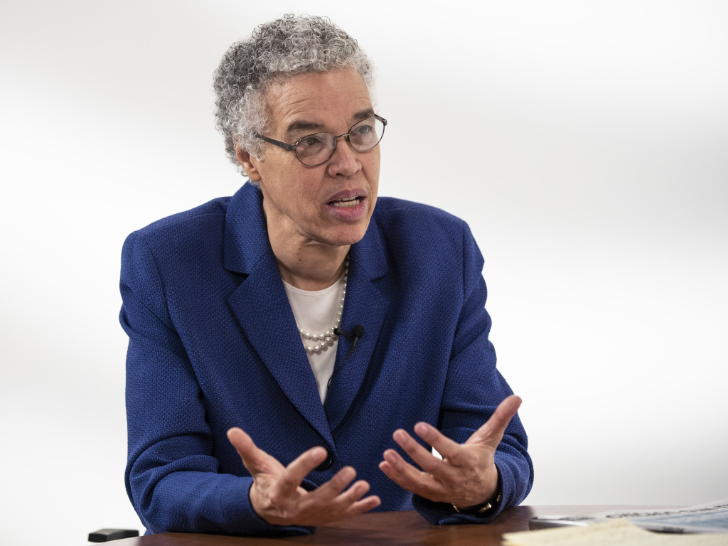 Mayoral candidate Toni Preckwinkle is interviewed by reporter Fran Spielman at the Chicago Sun-Times studio, Friday morning, March 1, 2019. | Ashlee Rezin/Sun-Times