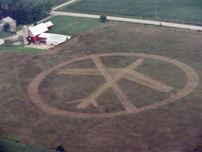 Aerial of a carving in a cornfield near Peotone opposing the proposed airport in 1999. File Photo by Robert A. Davis-Sun-Times