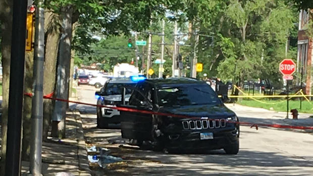 Off-Duty Officer Critically Wounded in Bronzeville Shooting