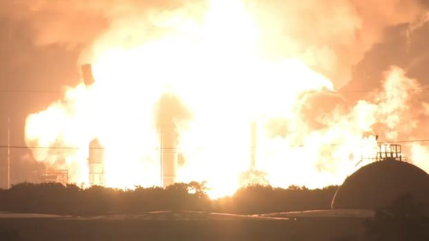 Watch the Moment a Refinery Blast Rocked Philly