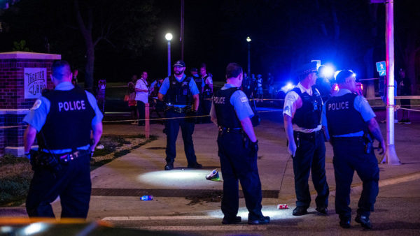 2 Dead, at Least 19 Wounded in Chicago Weekend Shootings