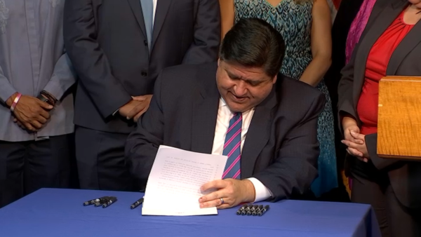Pritzker to Sign Bill Increasing Minimum Teacher Salary Across Illinois