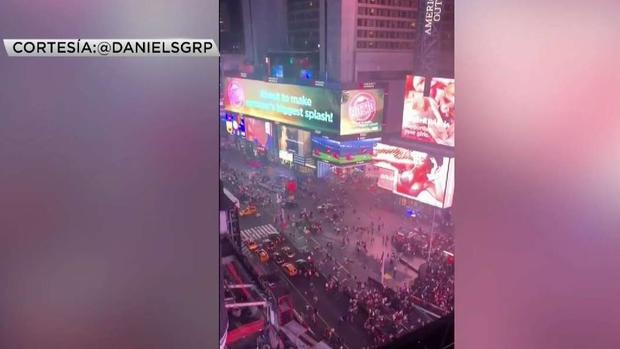 [CHI] Man Recounts Panicked Moments in Times Square Tuesday