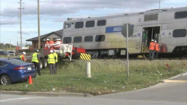 Metra Train Derails Following Crash With Semi on Chicago's South Side; SouthWest Service Halted