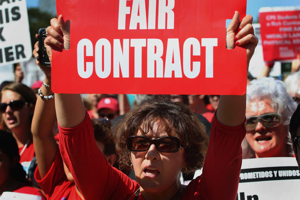 [CHI] Chicago Teachers Union Members Vote on Potential Strike
