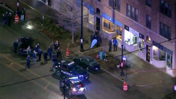 Chicago Police Officer Shot During Gun Battle in Old Irving Park