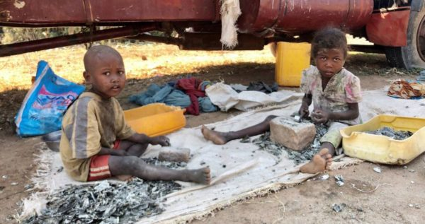 Mica Mined By Child Laborers in Madagascar Ends Up in US Products