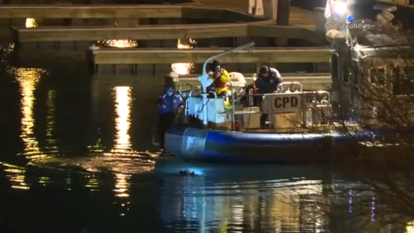 Chicago Police Search DuSable Harbor for Car, Missing Person