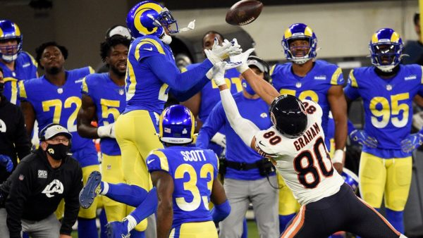 Rams dominate matchup of tough defenses, beat Bears 24-10