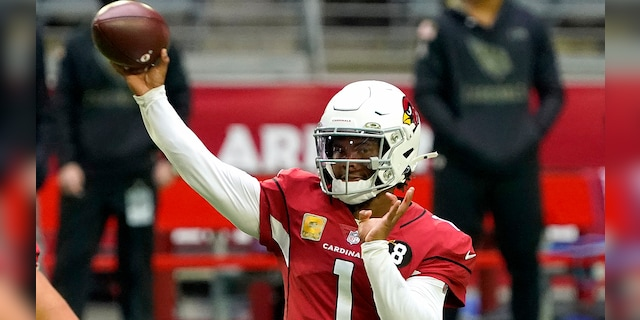 Arizona Cardinals quarterback Kyler Murray (1) throws against the Miami Dolphins during the first half of an NFL football game, Sunday, Nov. 8, 2020, in Glendale, Ariz. (AP Photo/Rick Scuteri)