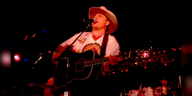 American country music singer and guitarist Doug Supernaw performs on stage at Whiskey River in Chicago, Illinois, January 27, 1993.
