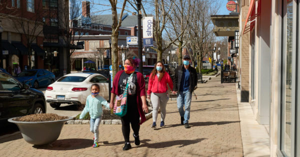 West Hartford, Conn.: A Suburb With an Urban Aesthetic