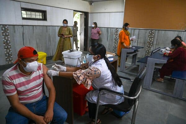 A vaccination center in New Delhi on Thursday.A government panel has again recommended widening the gap between the first and second doses of the Oxford-AstraZeneca shots.
