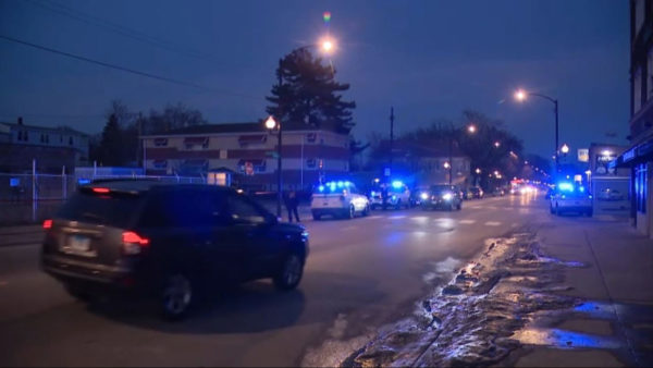 Chicago weekend violence: 54 people wounded in dozens of shootings, 8 killed, police say