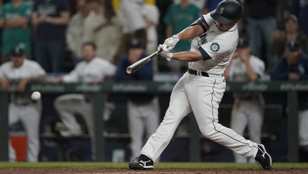 Mariners score 2 in 9th to rally past Rays 6-5