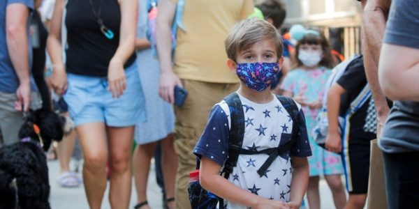 New York Gov. Hochul slammed for posing maskless on Broadway while children are forced to mask up in schools