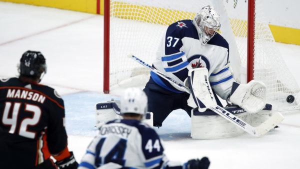 Ehlers' 2 late goals powers Winnipeg past Ducks 4-3